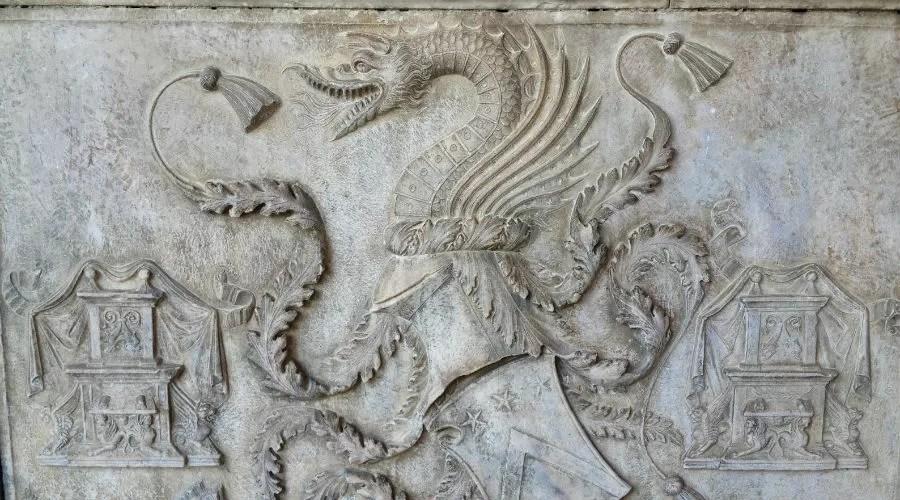Resultado de imagen de tumba Drácula nápoles
