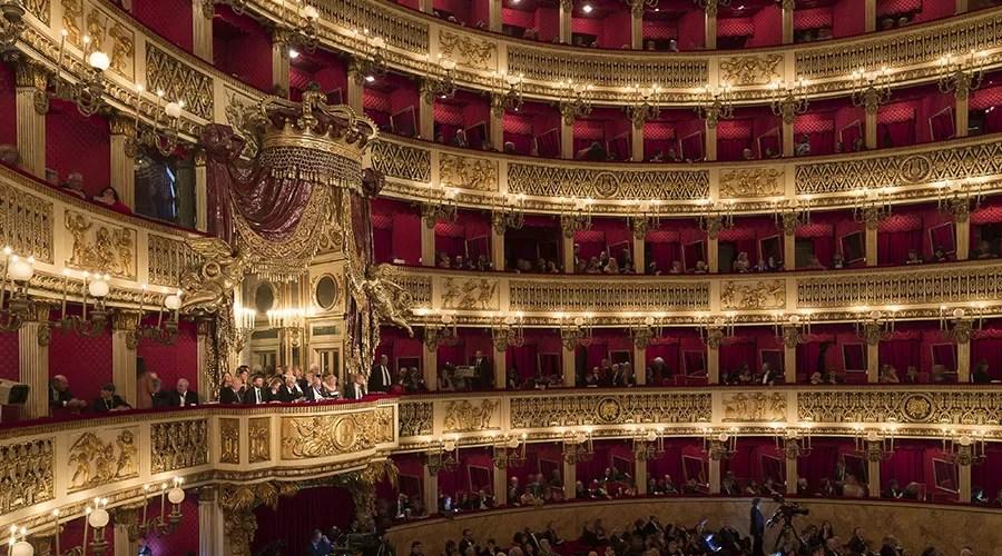 Resultado de imagen de Teatro san carlo napoli natale