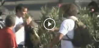 Napoli, borseggiatori al porto: tecnica del panino
