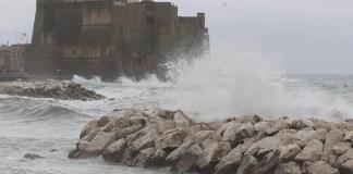 Meteo Napoli, oggi 18 agosto: piogge e schiarite poi arriva l'anticilone