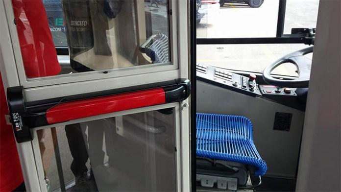 Napoli, trasporto pubblico: in arrivo cabine blindate per conducenti