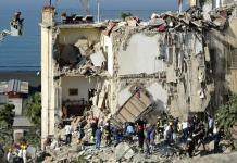 Crollo palazzina Torre Annunziata: salvo il canarino della famiglia Guida