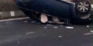 Incidente stradale a Capaccio: auto si ribalta, un ferito