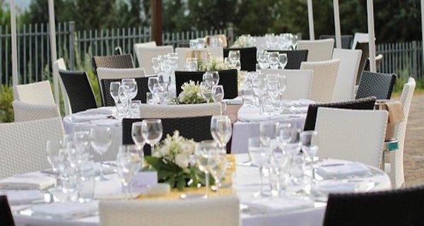 Promessa di matrimonio, dopo il pranzo 24 invitati in ospedale