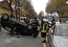 Ariano Irpino, incidente stradale: auto si ribalta, ferita una donna