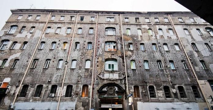 Forcella, ospedale Ascalesi: ritrovate carcasse di topi