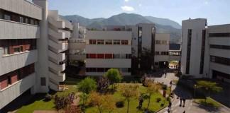 Suicidio all'Università: litiga con la fidanzata e si lancia nel vuoto