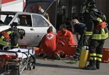 Secondigliano, incidente stradale: travolte mamma e figlia
