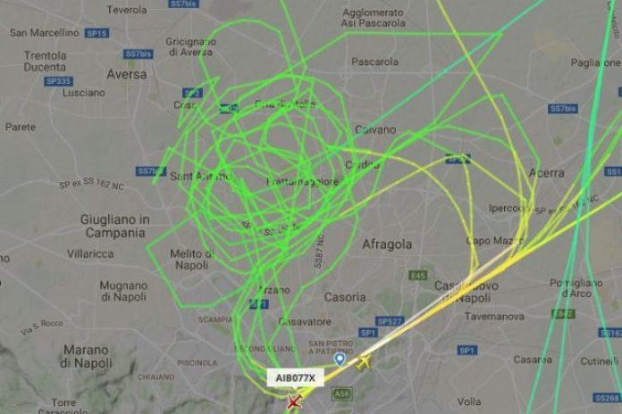 Napoli, quell'aereo che sembra sospeso in cielo: risolto il mistero