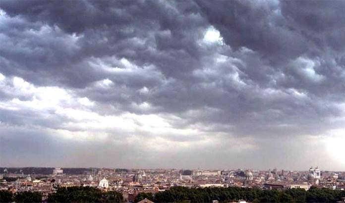 Meteo Napoli, lunedì 7 maggio: cielo ricoperto da nubi
