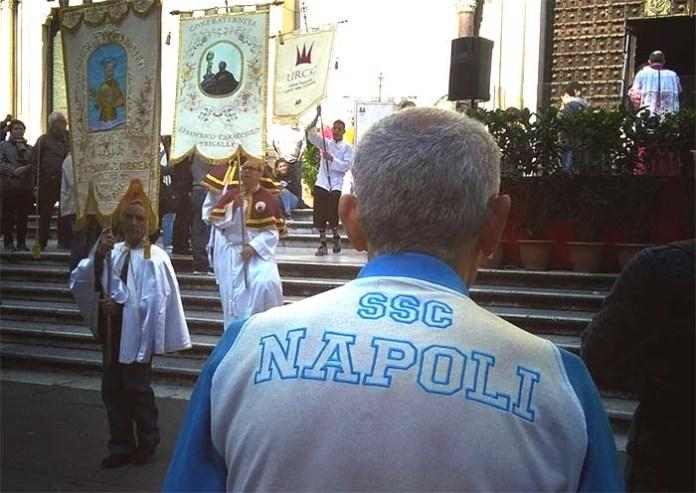 San Gennaro e i tifosi del Calcio Napoli