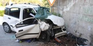 Incidente a Procida: 70enne perde il controllo del mezzo