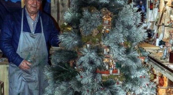 """San Gregorio Armeno: spunta il """"Presalbero"""" nella via dei presepi"""