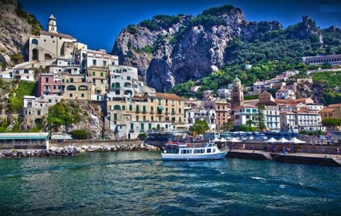Campania, turismo da record: impennata di visitatori