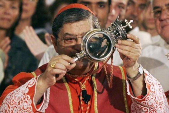 """Il sangue di San Gennaro si è sciolto: """"Il santo vuole bene Napoli"""""""