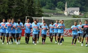 Napoli, tutti in coro: 'Vogliamo la Supercoppa'Napoli, tutti in coro: 'Vogliamo la Supercoppa'