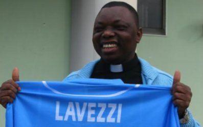 padre felix_napoli_maglia_lavezzi_