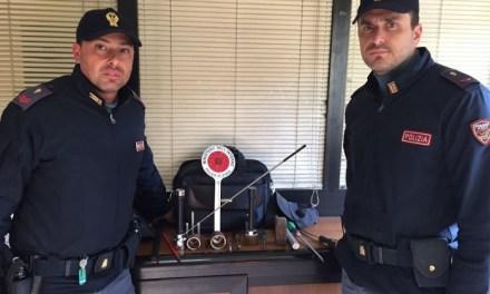 Ladro di appartamento arrestato in flagranza dalla Polizia di Stato: sequestrato il kit dello scassinatore