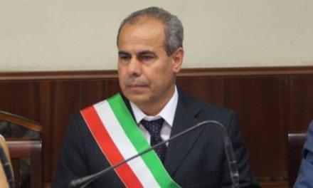 Torre del Greco: arrestato per corruzione il sindaco Ciro Borriello e 5 imprenditori