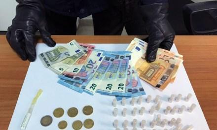 Caivano: carabinieri seguono via-vai di tossici e arrestano un 50enne