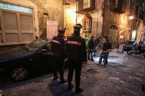 Agguato nei Quartieri Spagnoli, un morto