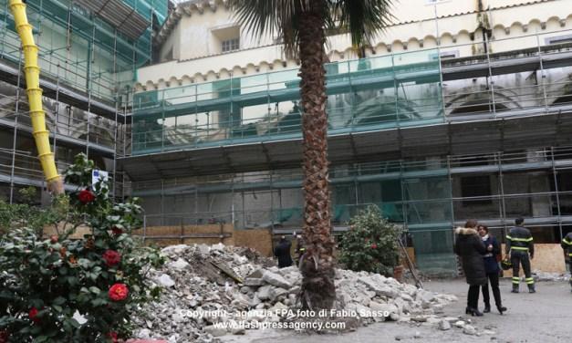 Napoli, tre operai feriti per la caduta  dei pilastri del convento di San Paolo Maggiore ai tribunale