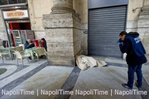 Clochard muore a Napoli, bevono caffe' vicino a cadavere