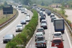Pontecagnano (SALERNO) 29/07/2006 Traffico autostradale nel tratto Pontecagnano-Battipaglia.