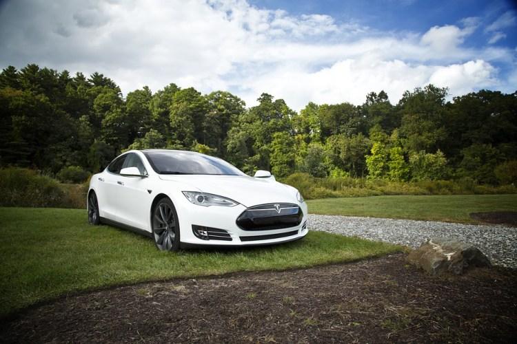 Usługi - Profesjonalny serwis samochodów hybrydowych i elektrycznych