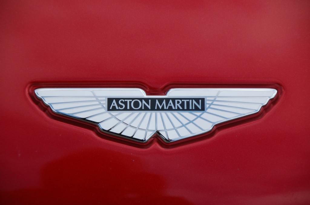 Mechanik Samochodowy - Serwis Aston Martin Warszawa, Bentley, Ferrari, Porsche, Jaguar, Maserati, Land Rover, Jeep, Chrysler, Dodge oraz Saab.