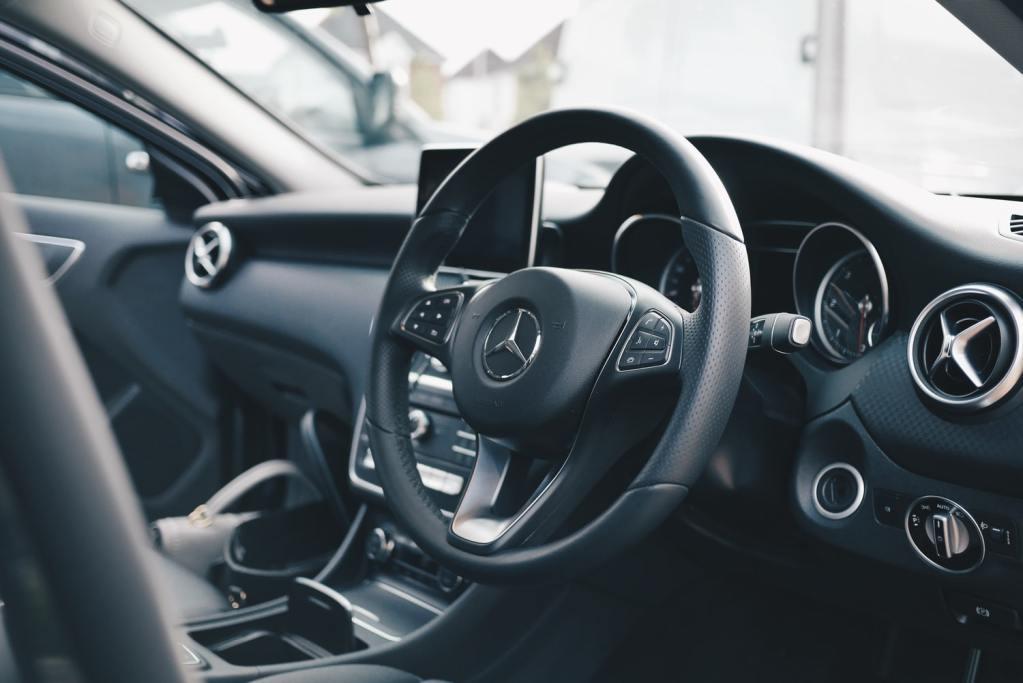 Naprawa Samochodów - Serwis Mercedes-Benz Warszawa - Warsztat Samochodowy