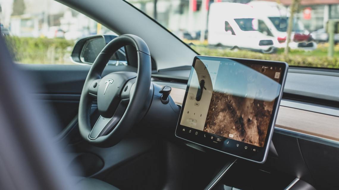 Serwis modułu zasilania w samochodzie elektrycznym