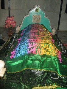 Grave of Khwaja Muhammad Masoom Sirhindi 5