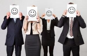 trabajadores-contentos-