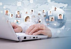 Promueva la interacción, así le dará a entender al cliente que la organización está interesada en conocer sus opiniones en sus procesos de cambios y mejoras, pregúnteles directamente y anímelos a participar. foto: webcreatum.com
