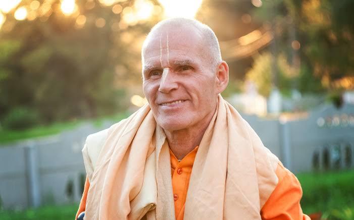 "Real L. J. Gagnon, ""Mualaf Hindu"" yang Menjadi Sannyasi"