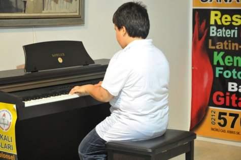 piyano ve zeka