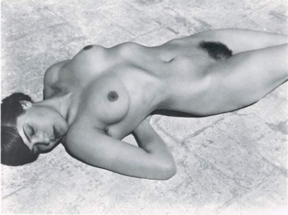 Tina on azotea, 1923
