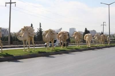 gaziantep-ipekyolu-caddesi-kervan-heykeli
