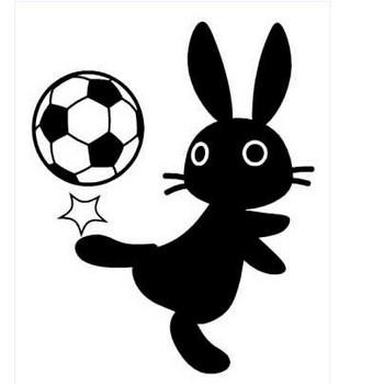 サッカーボールで遊ぶ黒うさぎイラスト素材(見本) | KMsys卯年賀状イラスト素材集