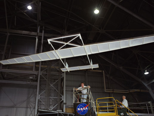 Record-breaking paper airplane