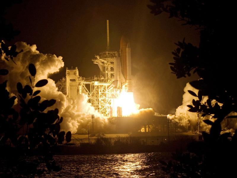 STS-126 Liftoff