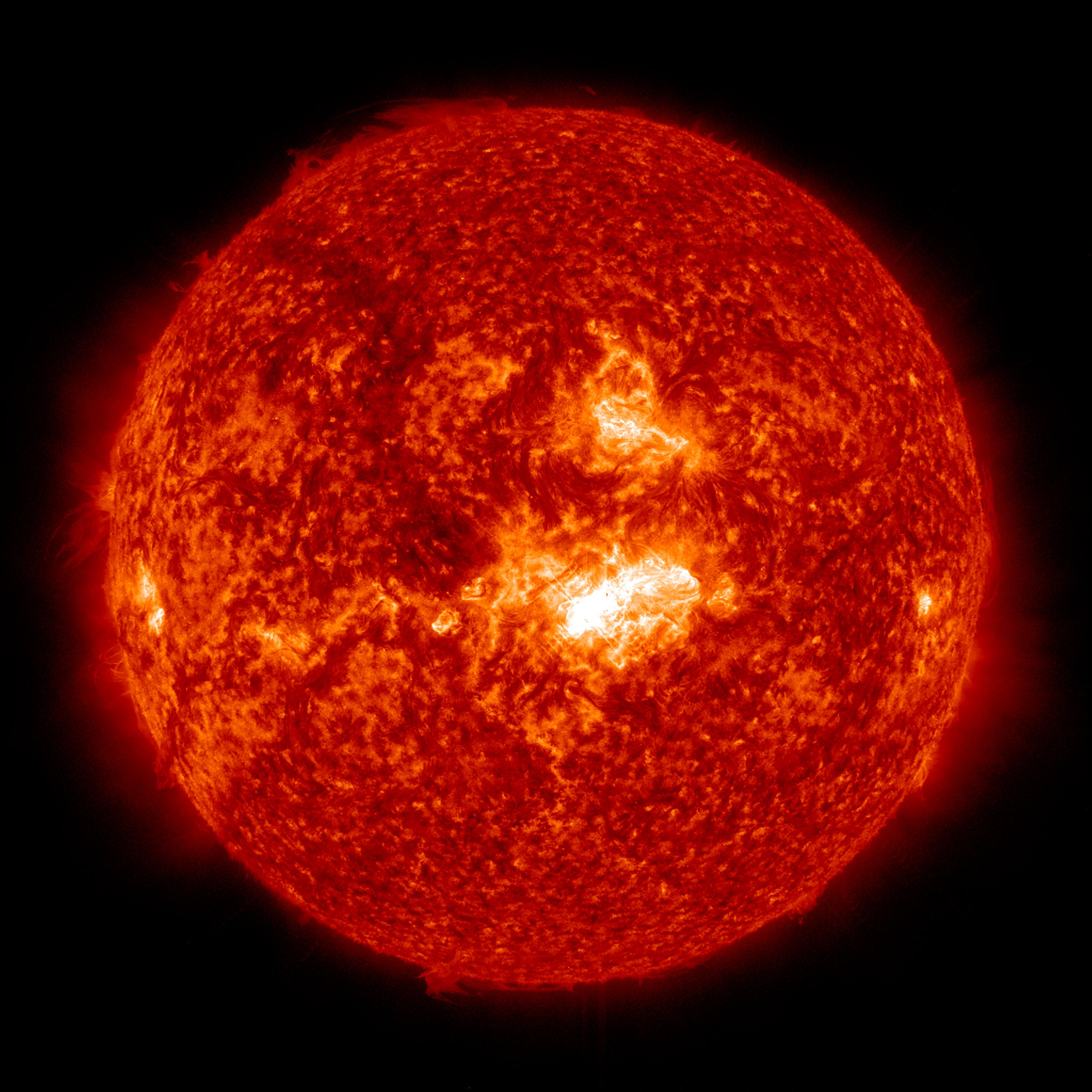 Sun Emits Mid Level Solar Flare