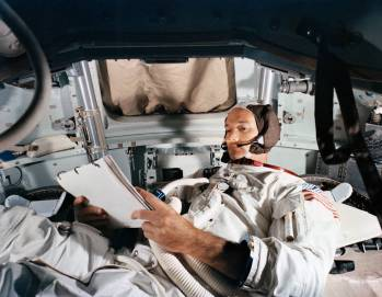 apollo_11_collins_in_cm_sim_ksc