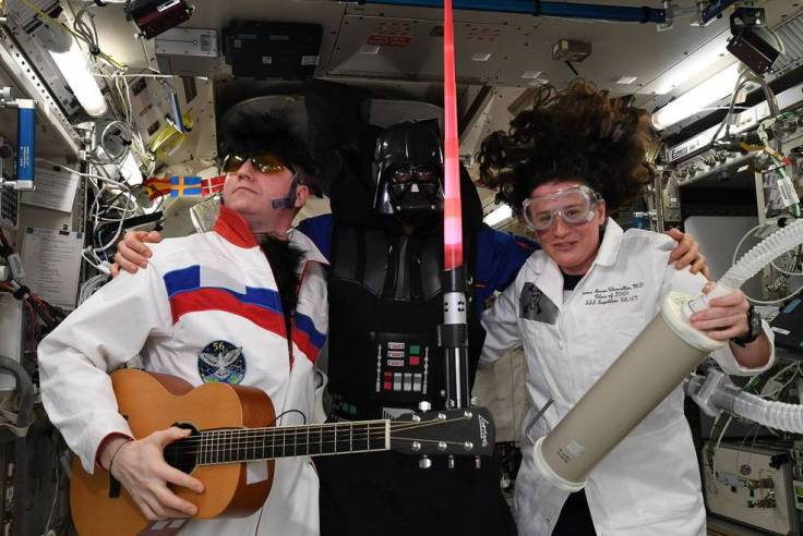halloween_on_iss_exp_57