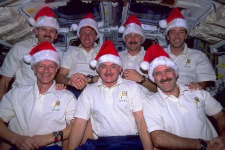 sts_103_christmas_1999