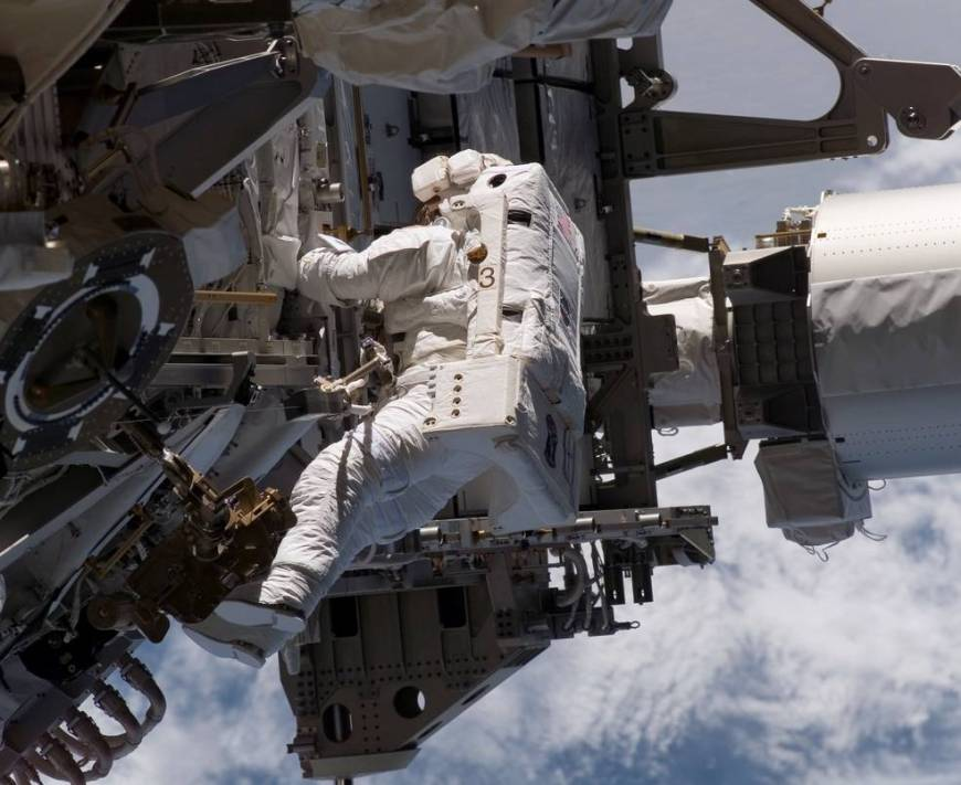 sts_115_piper_on_eva