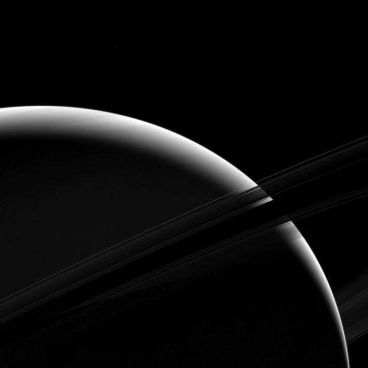 Silver of Saturn | Photo Credit: NASA/JPL-Caltech/Space Science Institute
