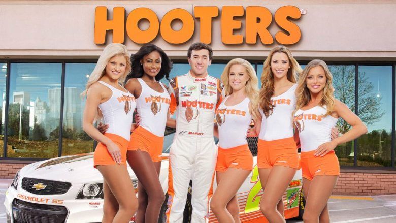 Hooters rewards fans when Chase Elliott scores a top 5   Official Site Of NASCAR