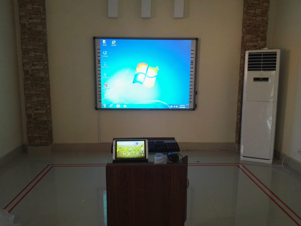 86 inch interactive white board with wireless screen sharing feature
